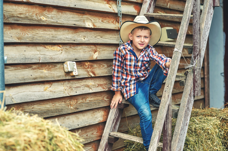 15 Cool Country Boy Names For Your Little Cowboy